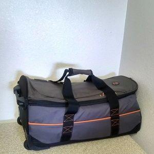 Timberland Canvas Wheeled Duffle Bag 99da8c47c34af